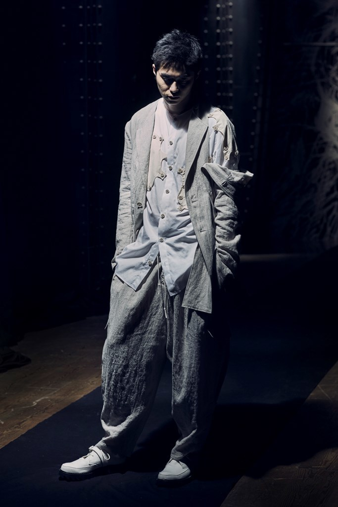 Yohji Yamamoto Paris SS2021 photo by IMAXTree 9