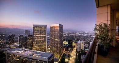 Friendlier Price On Matthew Perrys LA Penthouse 21