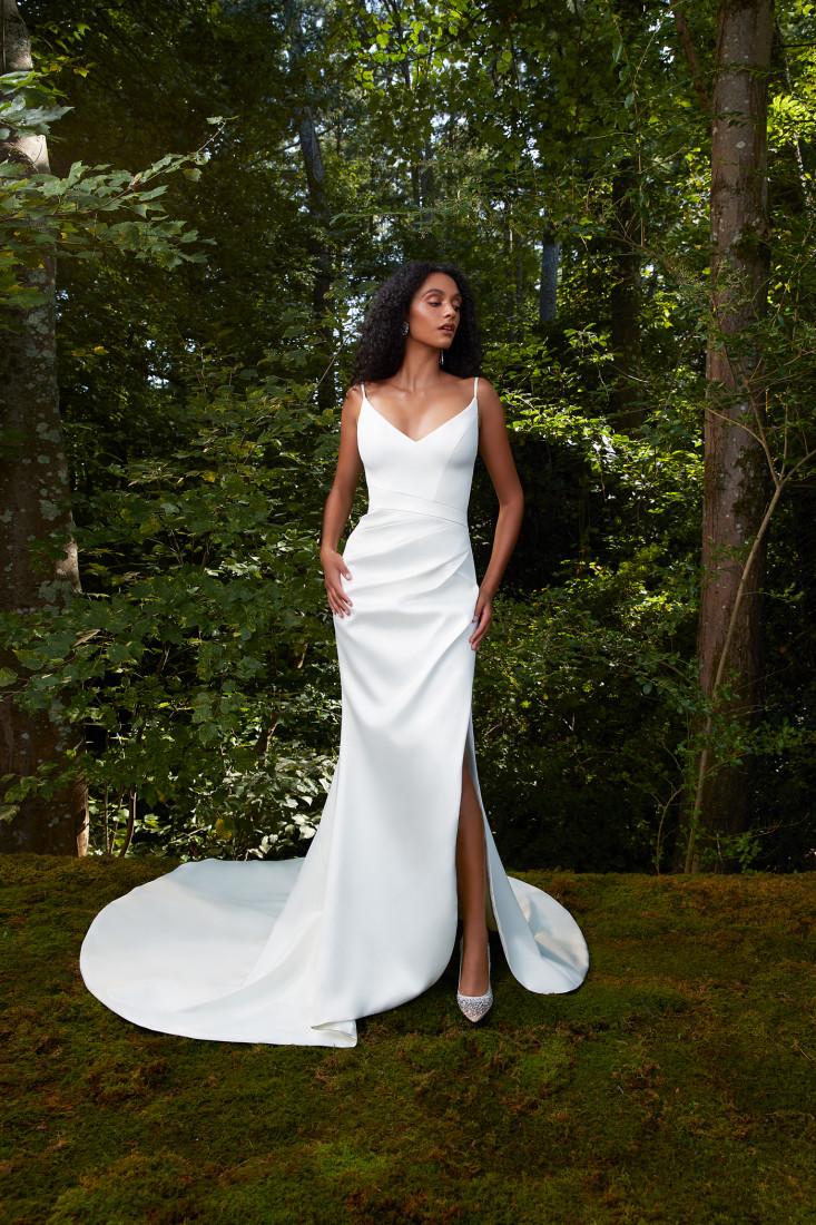 Anne Barge NYFW Bridal SS2021 photo by chriseanrose 21