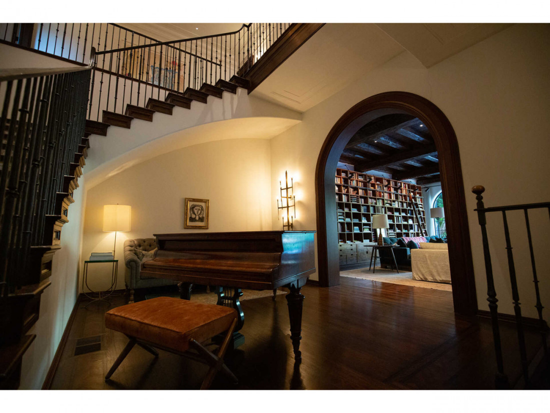 50 Million Mansion Once Home To Fleetwood Mac Built In 1932 Includes Secret Speakeasy 12