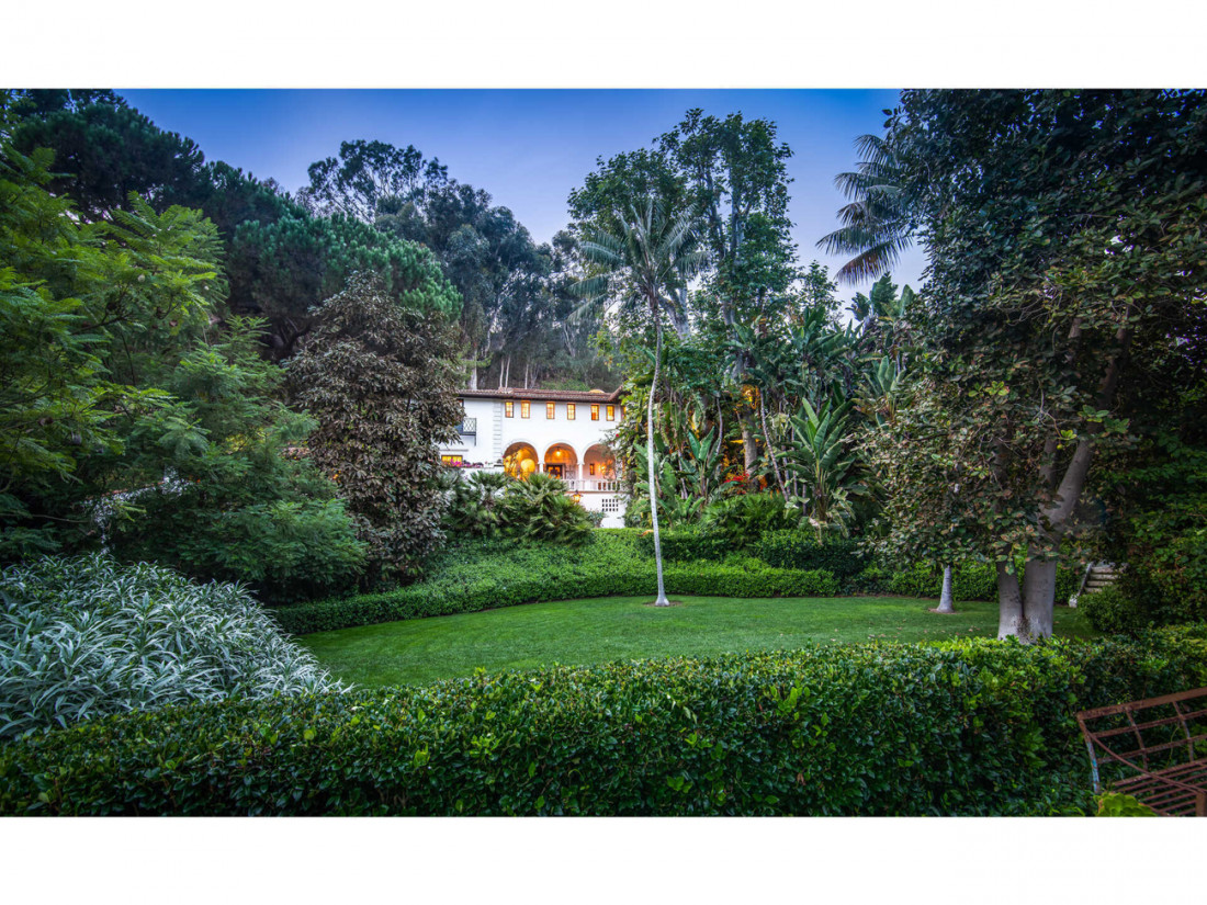50 Million Mansion Once Home To Fleetwood Mac Built In 1932 Includes Secret Speakeasy 15