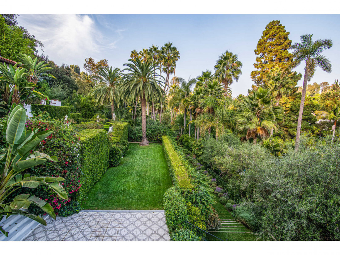 50 Million Mansion Once Home To Fleetwood Mac Built In 1932 Includes Secret Speakeasy 2
