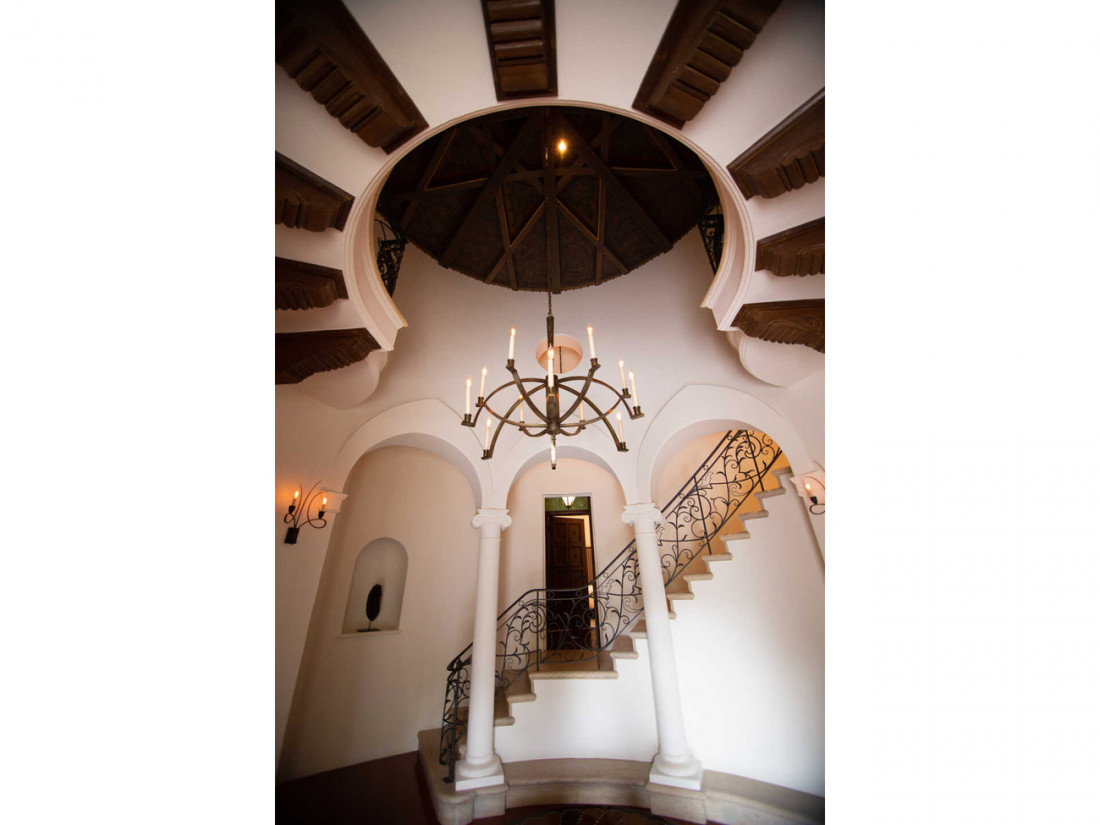 50 Million Mansion Once Home To Fleetwood Mac Built In 1932 Includes Secret Speakeasy 20
