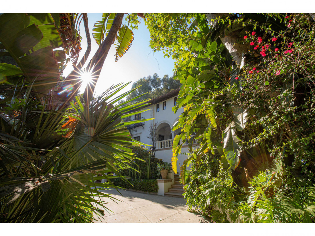 50 Million Mansion Once Home To Fleetwood Mac Built In 1932 Includes Secret Speakeasy 21