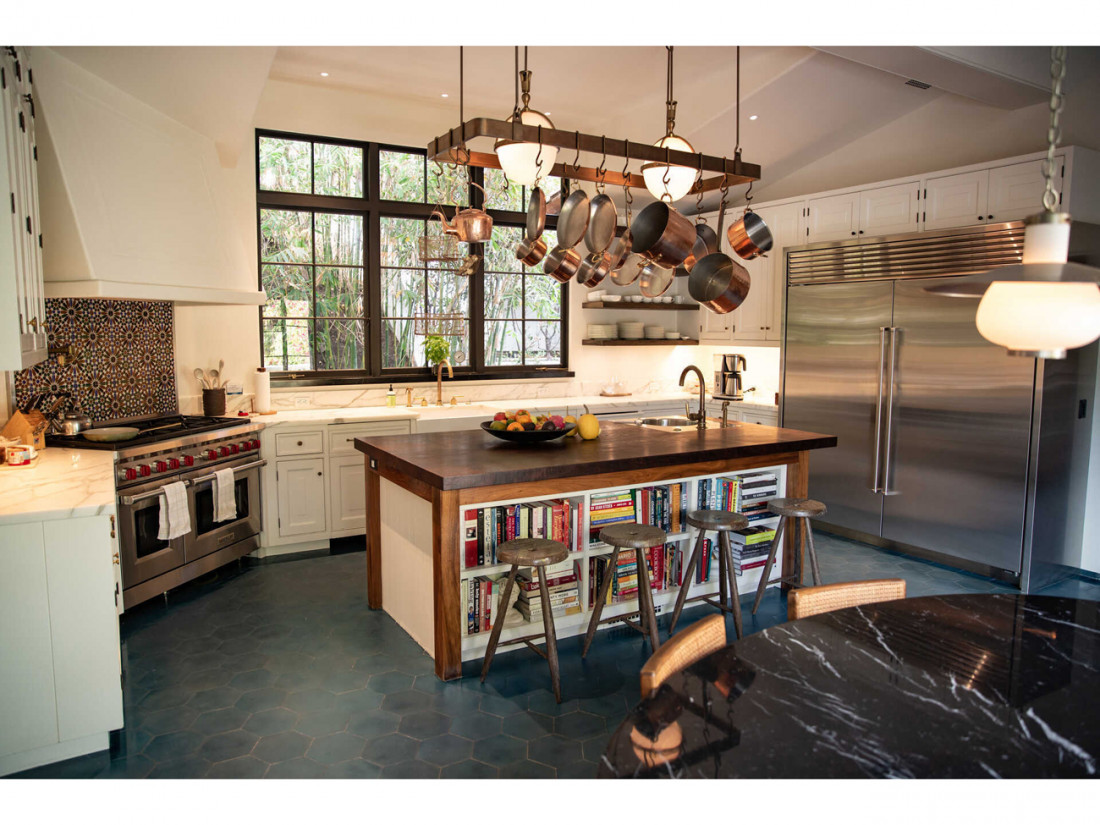 50 Million Mansion Once Home To Fleetwood Mac Built In 1932 Includes Secret Speakeasy 22