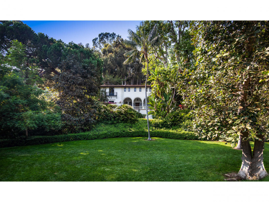 50 Million Mansion Once Home To Fleetwood Mac Built In 1932 Includes Secret Speakeasy 6